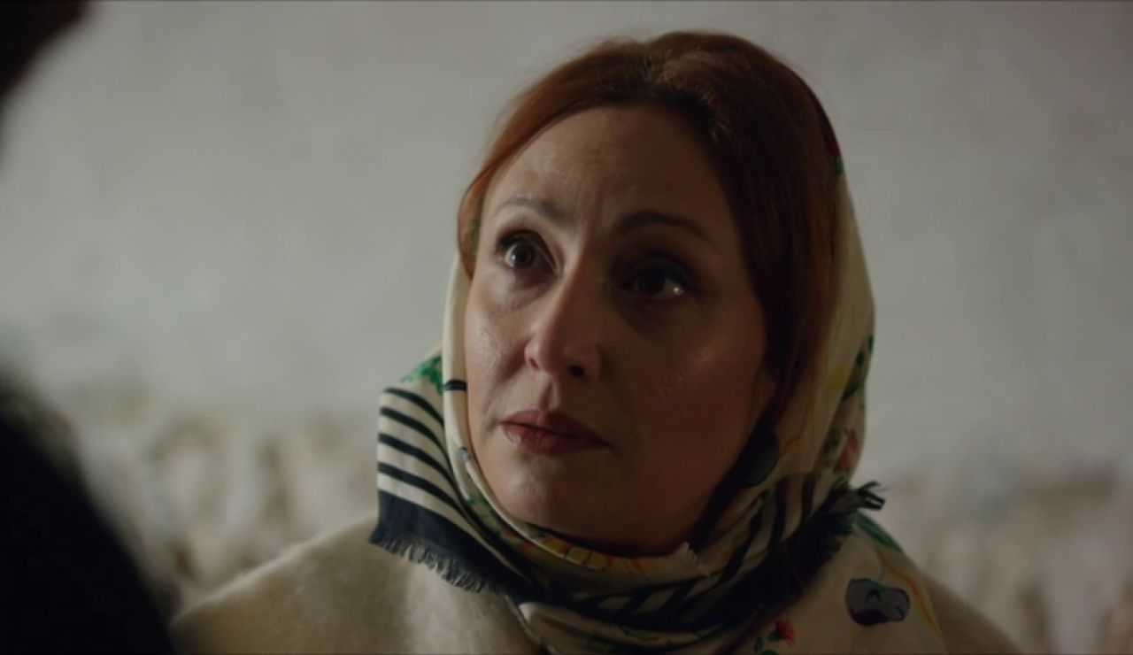 ¿Por qué Sultana y Azat se reúnen en secreto?