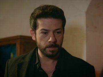 """Azat se sincera sobre su matrimonio con Elif: """"No puedo quererte, quiero a Reyyan"""""""