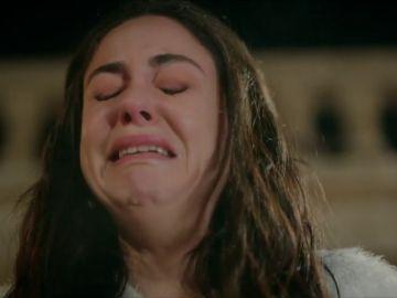 Elif amenaza con suicidarse tras huir de su propia boda