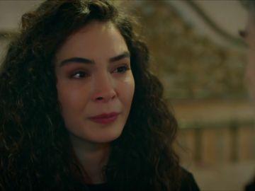 Reyyan se rinde: no quiere seguir luchando por Miran