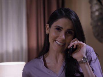 Elena le cuenta su plan de huida a Pedro