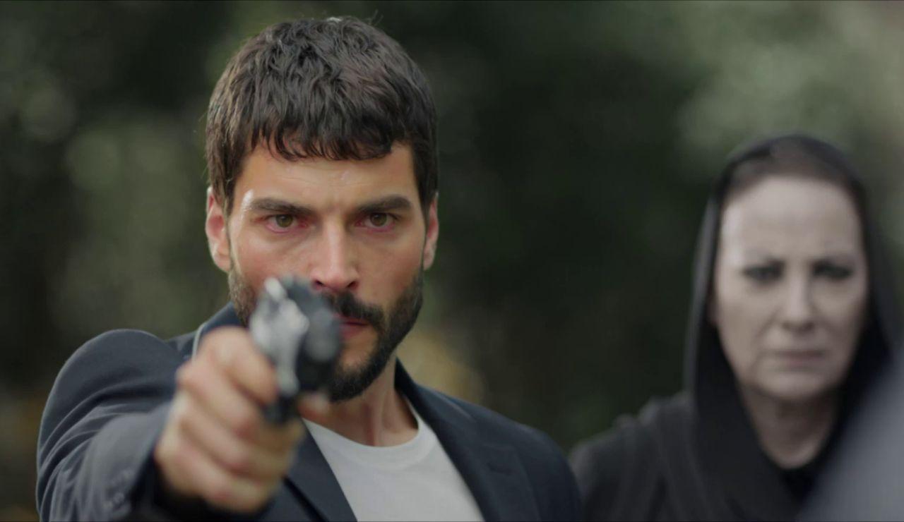 """Azize sigue adelante con su venganza: """"Es el momento de que mates a Azat"""""""