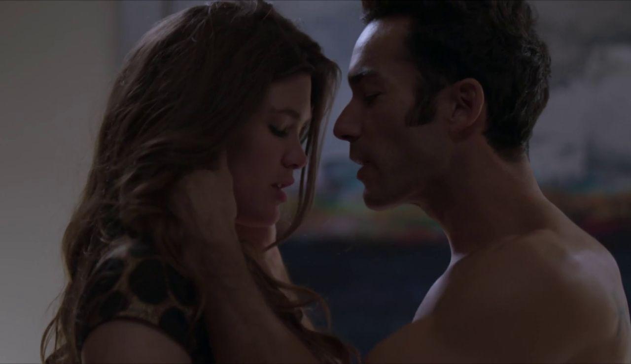 Ricardo y Aura María desatan su pasión a escondidas
