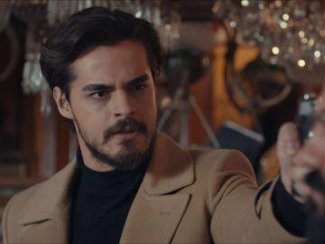 """Selim, armado, amenaza a Kaya: """"Reconoce que disparaste a mi padre"""""""