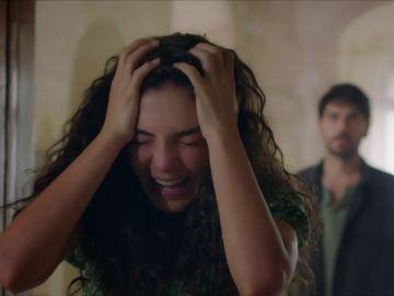 """Reyyan, conmocionada, tras descubrir la verdad sobre Hazar: """"Mi padre no puede ser un asesino"""""""