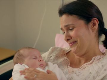 """Zehra y su hija, sanas en el hospital: """"Hubiese dado la vida por ella"""""""