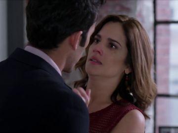 """Ricardo intenta besar a Marcela: """"Lo nuestro es real"""""""