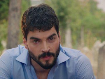 Miran descubre la verdadera identidad de Aslan y su plan de llevarse Reyyan