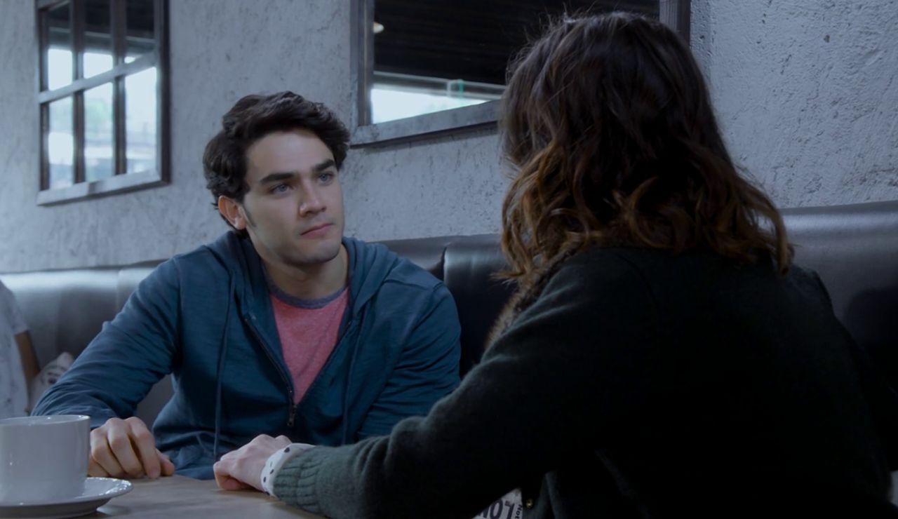 Nico reconoce que engañó a Mía