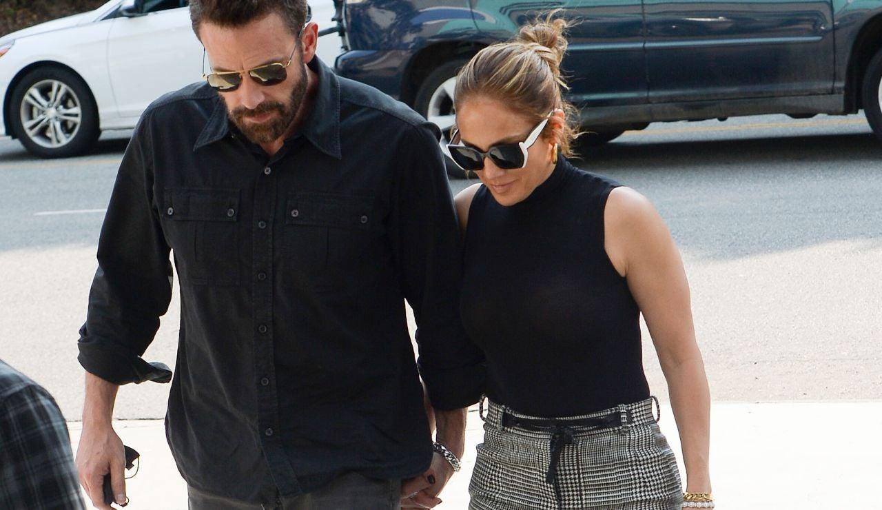 Jennifer Lopez y Ben Affleck pasean su amor por las calles de Los Ángeles