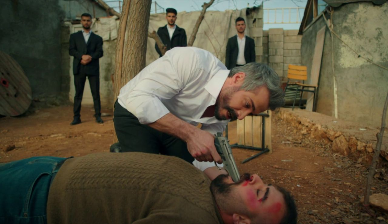 """¿Quién te dio la orden de Matar a Miran?"": Firat encuentra al culpable"