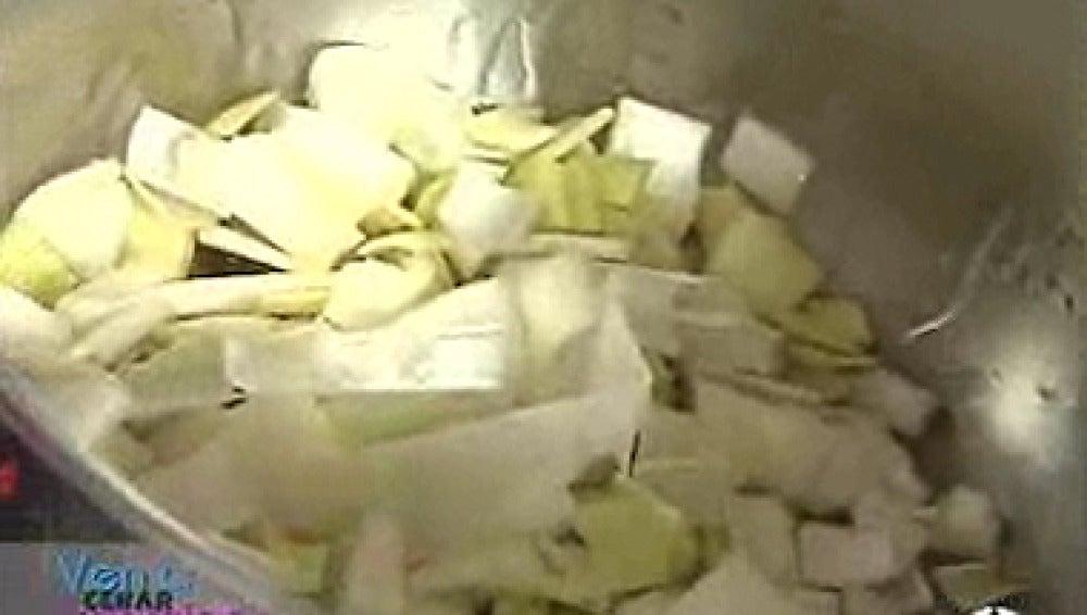 Crema de calabacín con gambas fritas
