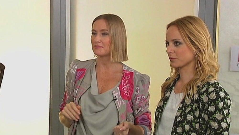 Fiona y Ana analizan el armario de Yolanda