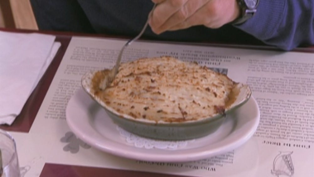 Gordon vomita con la comida del Finn Mac Cools