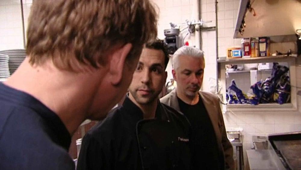 Anthony no limpia la cocina