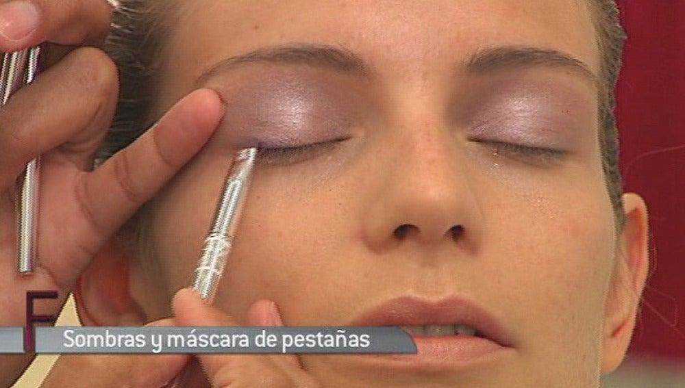 Maquillaje: Sombras y máscara de pestañas