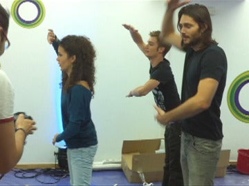 Los chicos bailando con Kinect