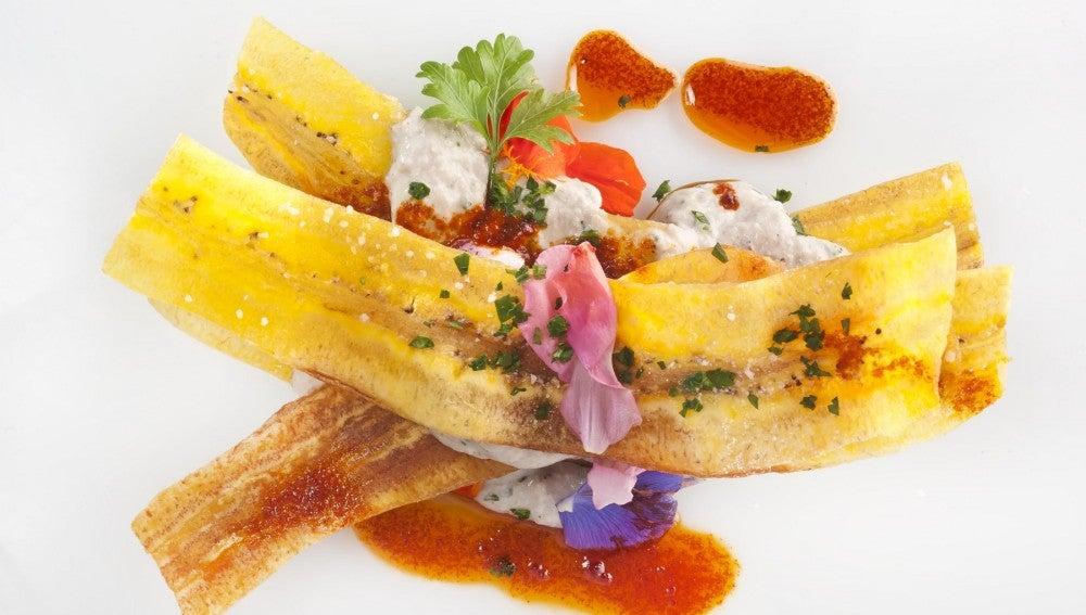 Lasaña de plátano con mousse de sardinas