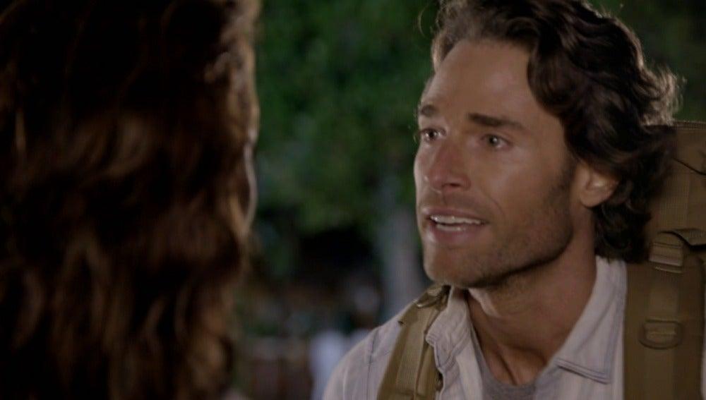 Santiago le confiesa su amor a Ana Lucía