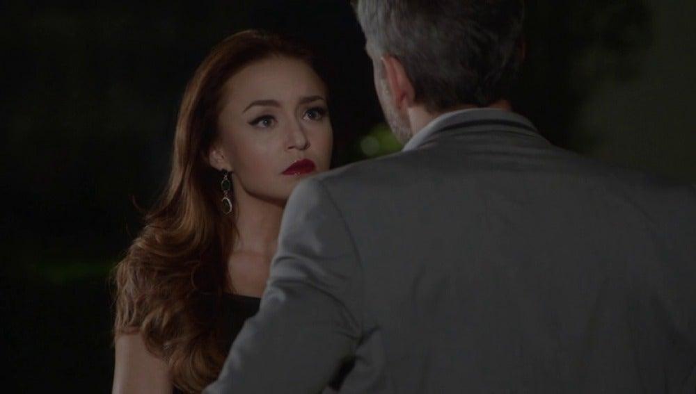 """Frame 38.560624 de: """"Viridiana se va de esta casa y yo me voy con ella"""""""