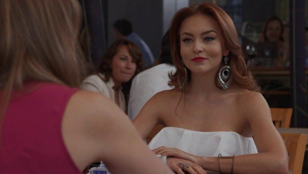 Frame 22.33272 de: ¿Crees que Ana Leticia aceptará la propuesta de Claudia?