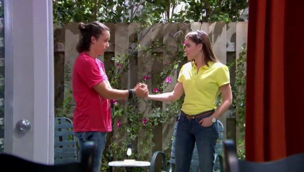 Frame 17.48755 de: Jorge y Angie cada vez lo pasan mejor juntos