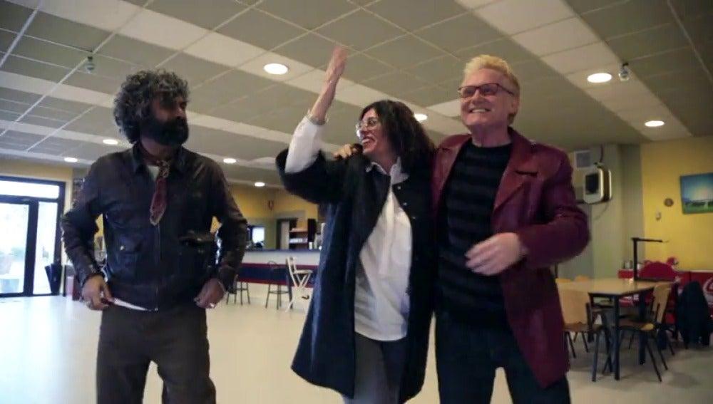 Frame 16.147993 de: Emotivo reencuentro de Paco Tous con sus antiguos compañeros de comisaría