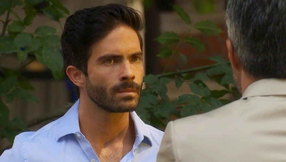 Frame 9.602662 de: Adrián se entera por sorpresa que Valentina es hija suya
