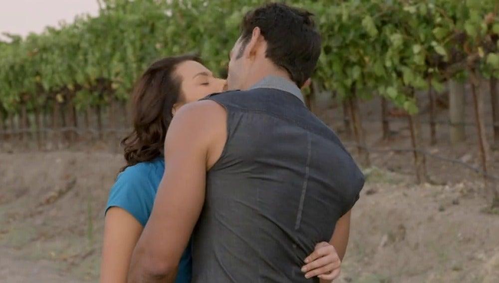 Frame 53.279706 de: Luciana y Miguel cada vez más enamorados que nunca
