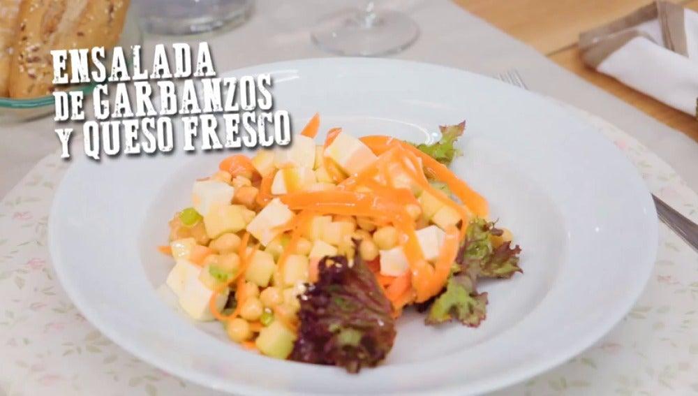 Frame 0.0 de:  Ensalada de garbanzos y queso fresco