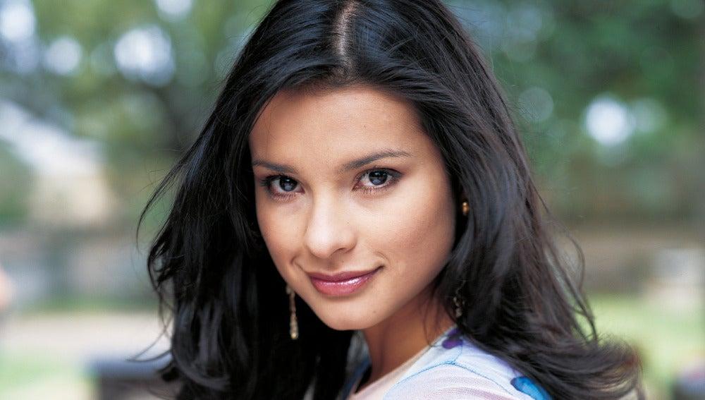Paola Rey es Jimena Elizondo