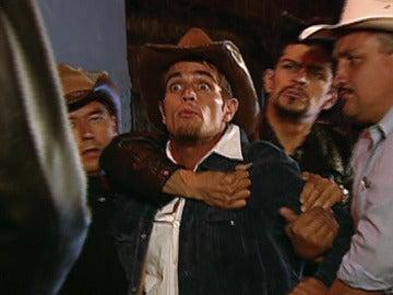 Franco Reyes recibe una brutal paliza