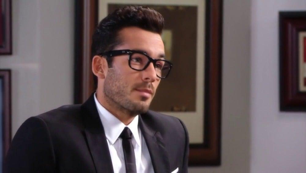Alejandro descubre las oscuras intenciones de Esteban con Rosario