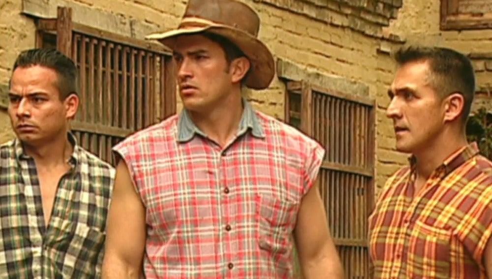 Don Martín busca ayuda para salvar a Norma