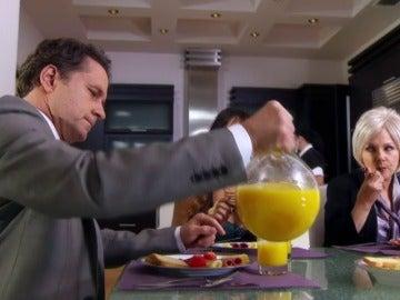 Alejandro busca desesperadamente a Rosario