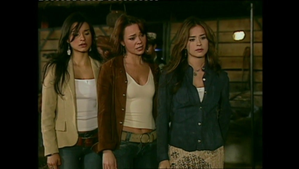 Las hermanas Elizondo andan muy preocupadas por lo que está sucediendo en la hacienda de su madre