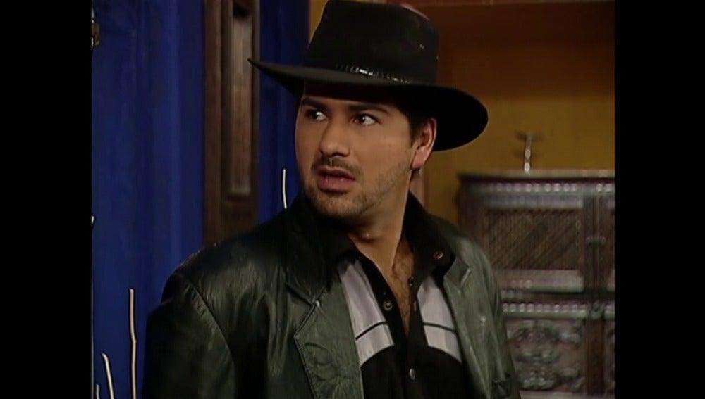 Fernando quiere contar con Armando para sus diabólicos planes