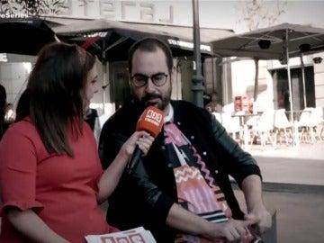 El 'bailecito' de Alberto Velasco con 'La chica de las series'