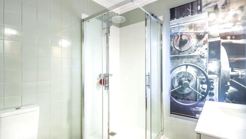 Reformamos un baño práctico, accesible y moderno