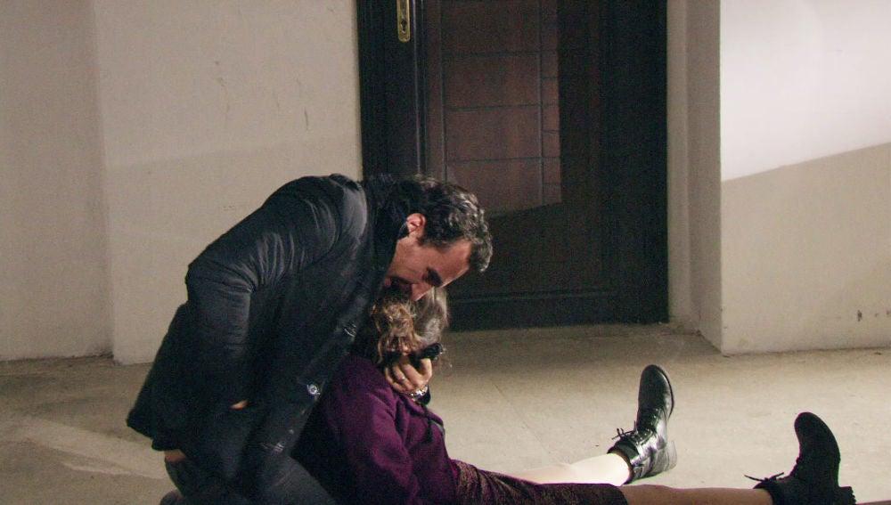 Mustafá escapa de los Yasaran y secuestra a Fatmagül