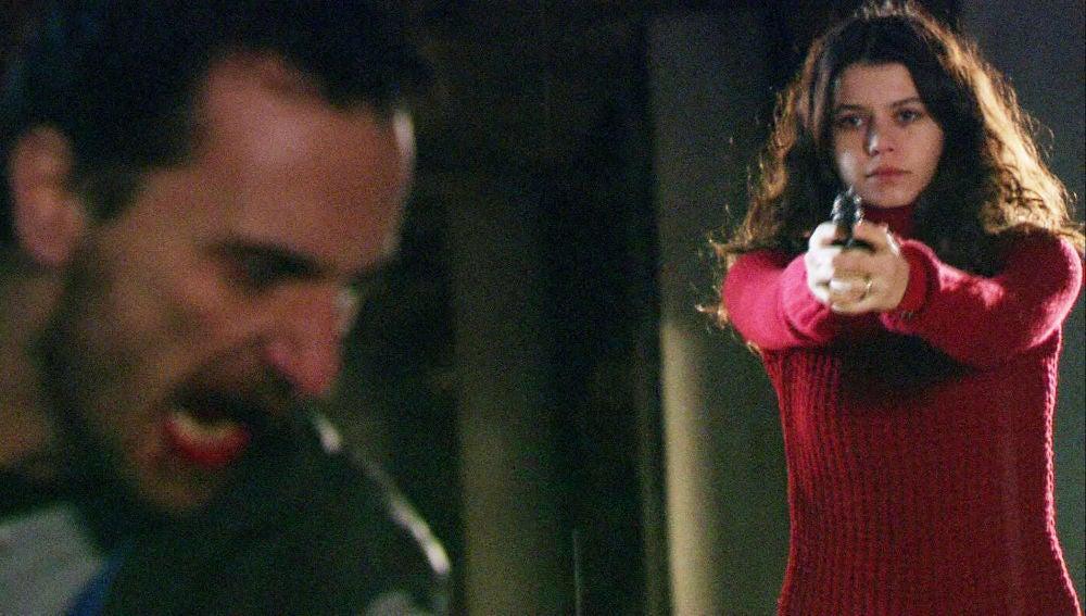 Kerim encuentra a Fatmagül y Mustafá y se desata la tragedia