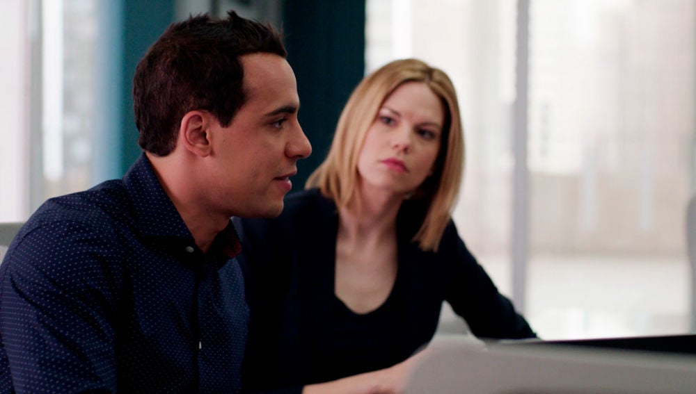 Ben encuentra la pieza clave para identificar al 'stalker'