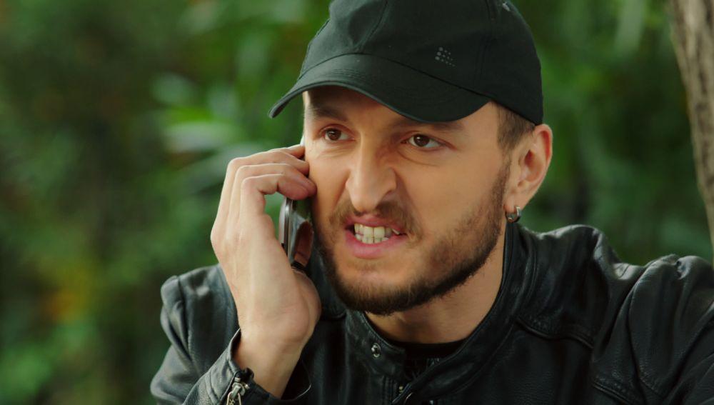 Metin descubre que Nilüfer iba a traicionarle