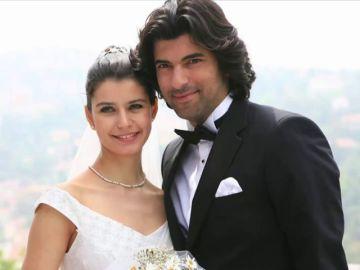 La faceta oculta o culta de Engin Akyürek, Kerim en 'Fatmagül' y Ömar en 'Amor de contrabando'