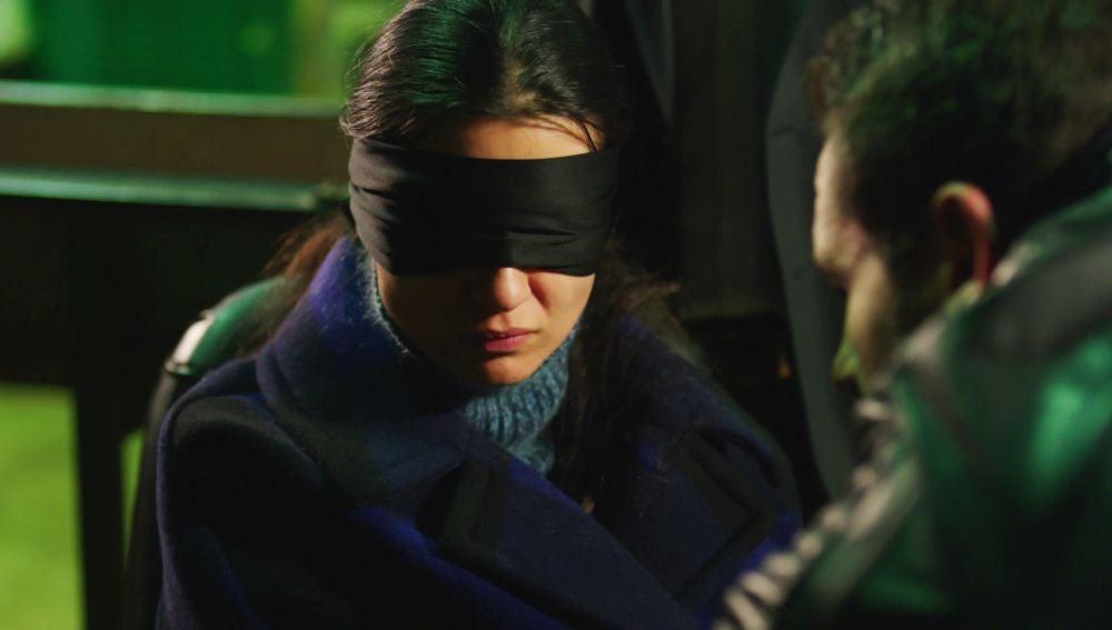 Serat ha secuestrado a Elif