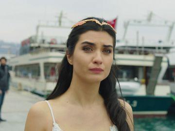 Ömar deja a Elif el día de su boda