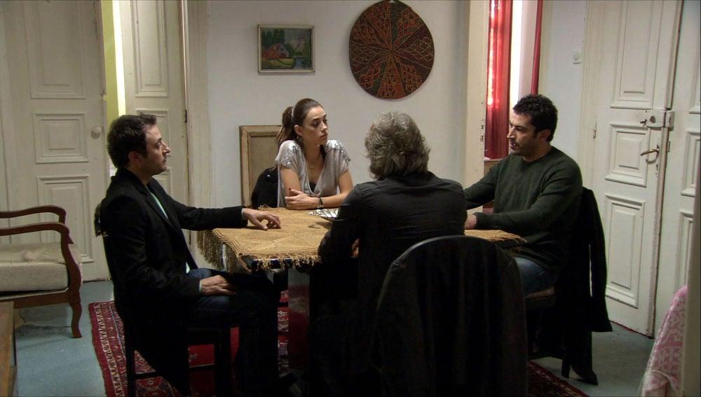 Ezel, Eysan, Cengiz y Ali