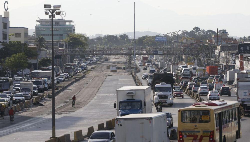 Nos adentramos en la calle principal de Río de Janeiro: Avenida Brasil
