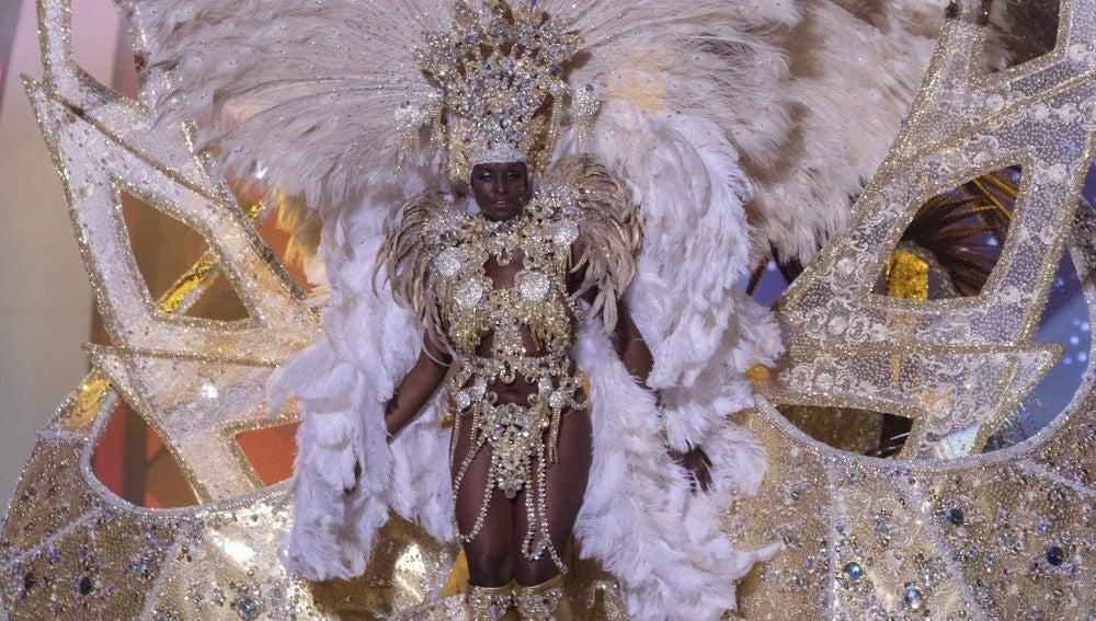 Erika Echuaca Sebe, reina carnaval de Las Palmas de Gran Canaria