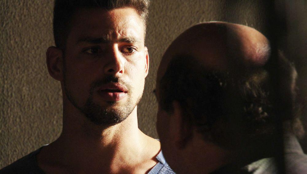 Jorgito pide un autosecuestro para descubrir a Carmina y Max